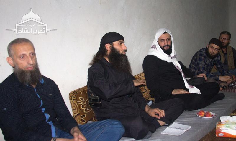 أبو محمد الجولاني مع قادة تحرير الشام في الغوطة الشرقية - (تحرير الشام)