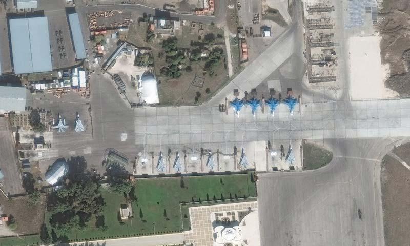 قاعدة حميميم العسكرية الروسية في اللاذقية عبر الاقمار الصناعية - 8 تشرين الثاني (obretix@)