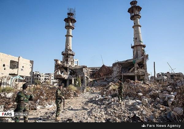 صور تظهر الدمار في مقام سكينة وما حوله بمدينة داريا 14 تشرين الأول 2018 (وكالة فارس)