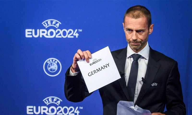 رئيس الاتحاد الأوروبي لكرة القدم، ألكسندر تشيفرين (AFP)