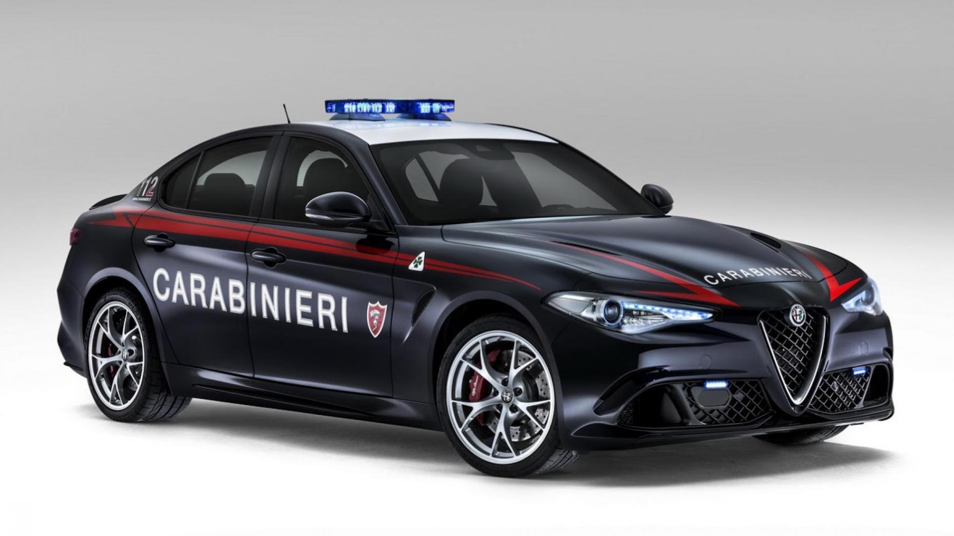 """""""ألفا روميو جوليا"""" سيارة الجهاز الشرطة الإيطالية (top gear)"""