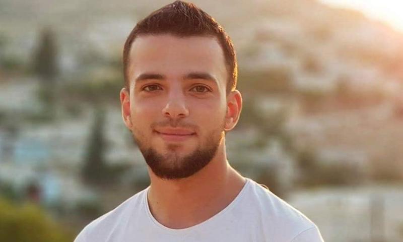 """الناشط الإعلامي المعتقل لدى فصيل """"السلطان مراد""""، بلال سريول (بلال سريول فيس بوك)"""