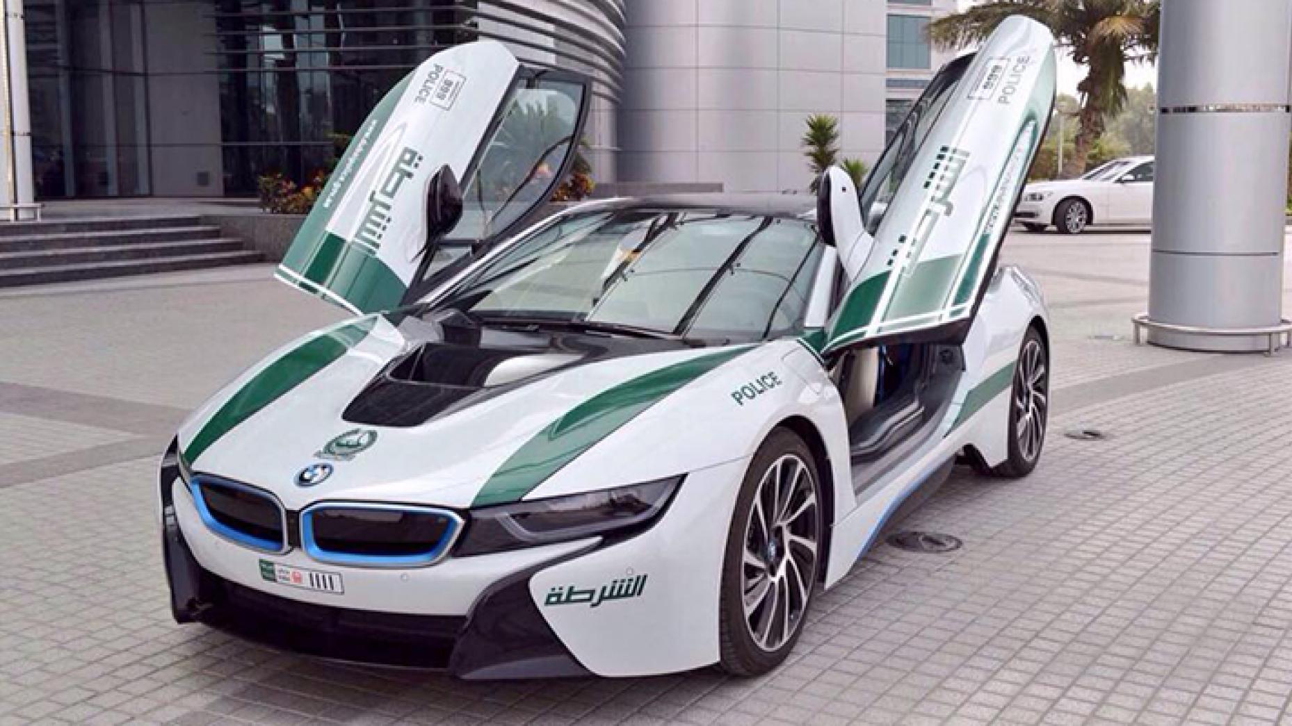 """سيارة شرطة دبي """"بي إن دبليو أي 8"""" (top gear)"""