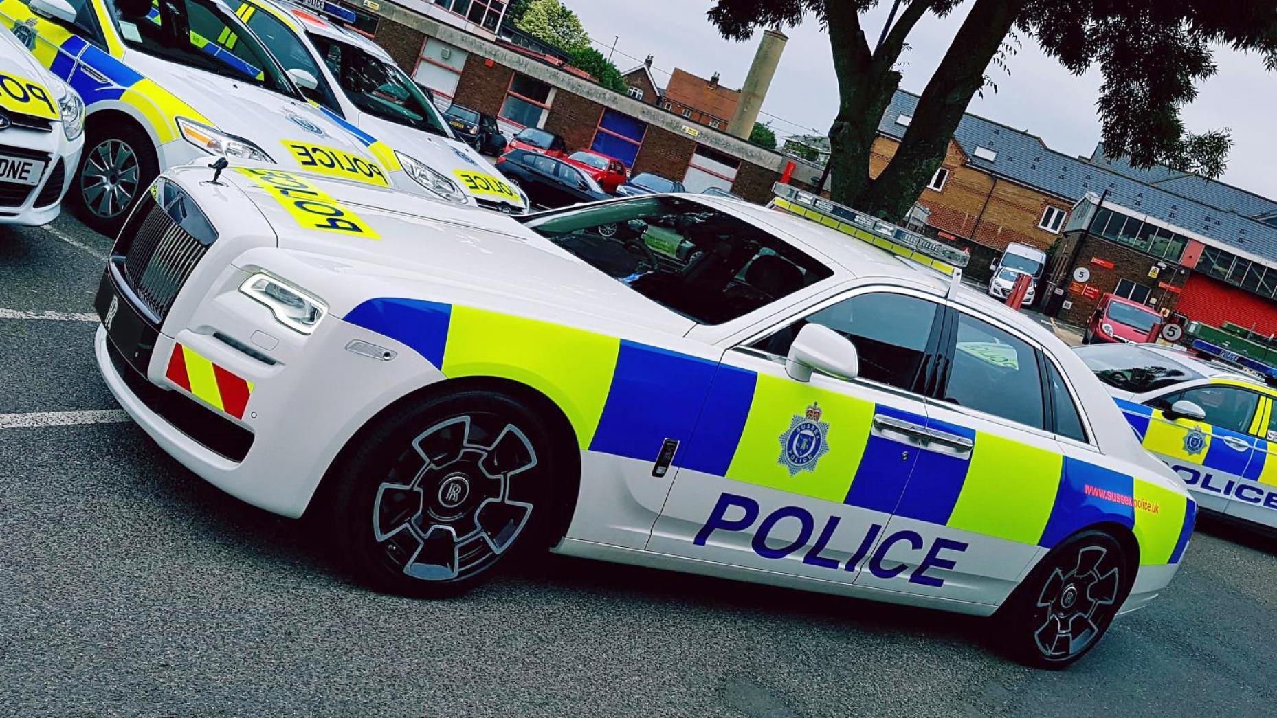 """سيارة الشرطة البريطانية """"رولز رويس غوست"""" (top gear)"""