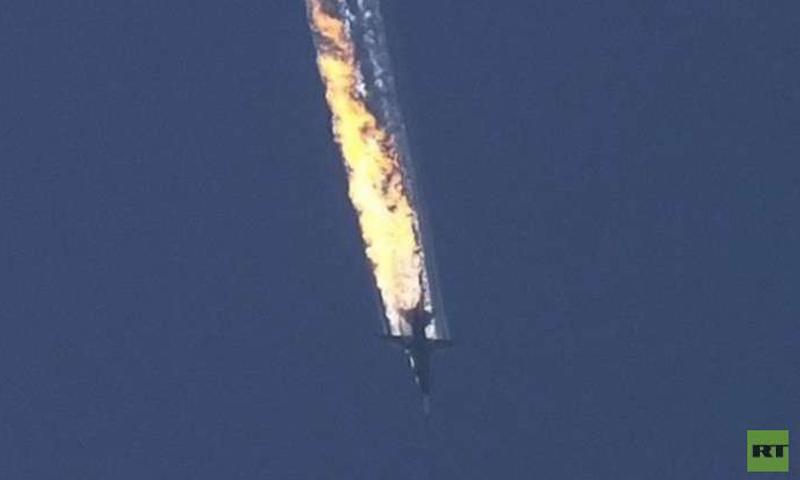 """طائرة """"سو- 24"""" في أثناء سقوطها عام 2015 (روسيا اليوم)"""