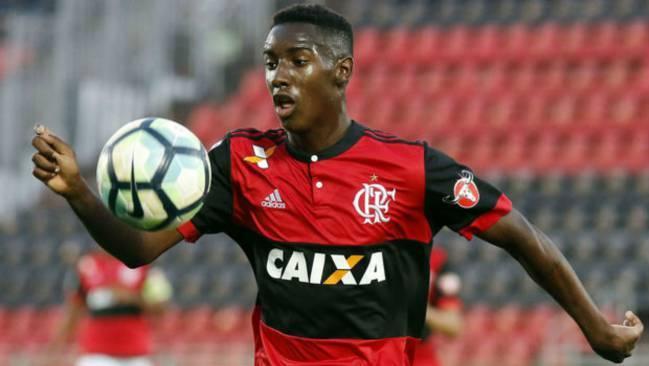 لاعب نادي سانتوس والمنتخب البرازيلي يوري سيزار (AS)