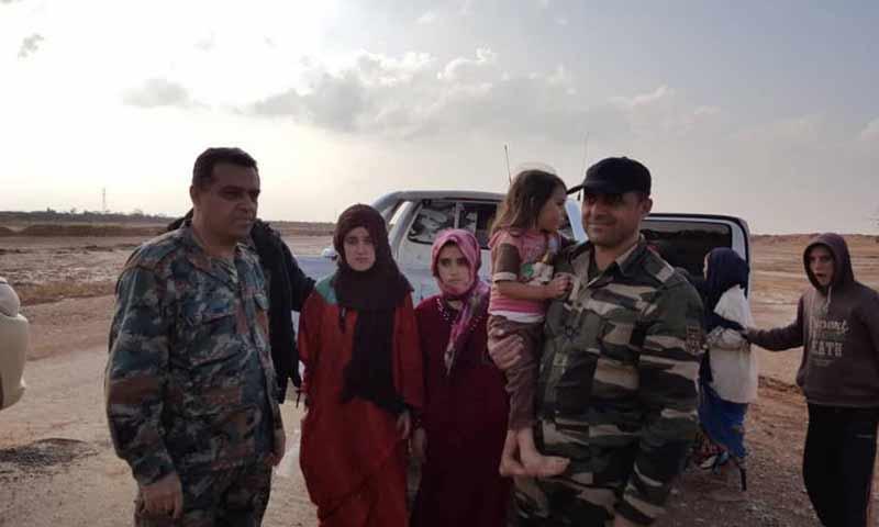 """بعض متخطفات السويداء برفقة قوات الأسد بعد تحريرهن من قبضة تنظيم """"الدولة الاسلامية"""" 8 تشرين الثاني 2018 (شبكة أخبار السويداء)"""