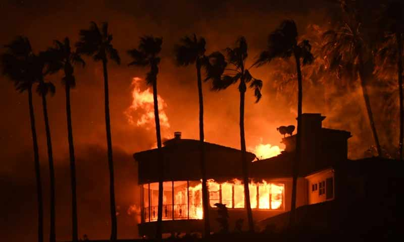 الحرائق في ولاية كاليفورنيا الأمريكية 10 تشرين الثاني 2018 (فرانس برس)