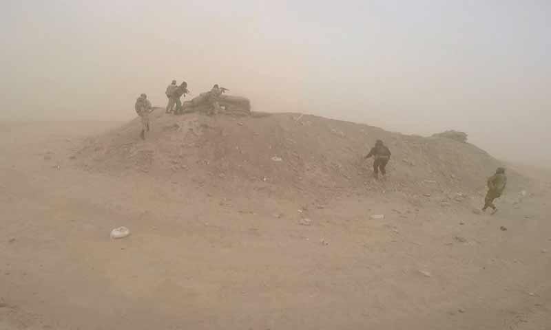 اشتباكات بين تنظيم الدولة وقسد في بلدة الشعفة بمنطقة هجين شرقي دير الزور تشرين الثاني 2018 (أعماق)