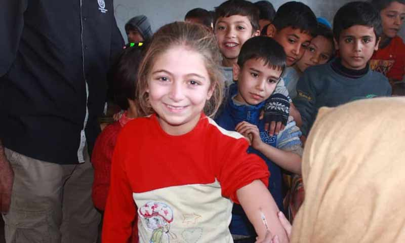 حملة لقاح الأطفال ضد الحصبة والحصبة الألمانية في ريف حماة الشمالي 3 تشرين الأول 2018 (فريق لقاح سوريا على فيس يوك)