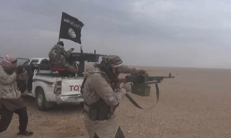 هجوم لمقاتلي تنظيم الدولة على مواقع قسد في منطقة هجين شرقي دير الزور 22 تشرين الثاني 2018 )وكالة أعماق)