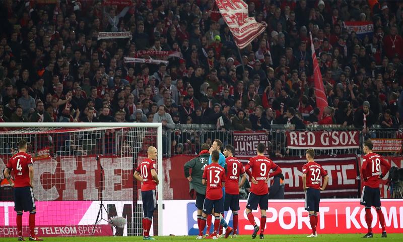 نادي بايرن ميونخ يستمر في سلسلة اخفاقاته في الدوري الألماني (رويترز)