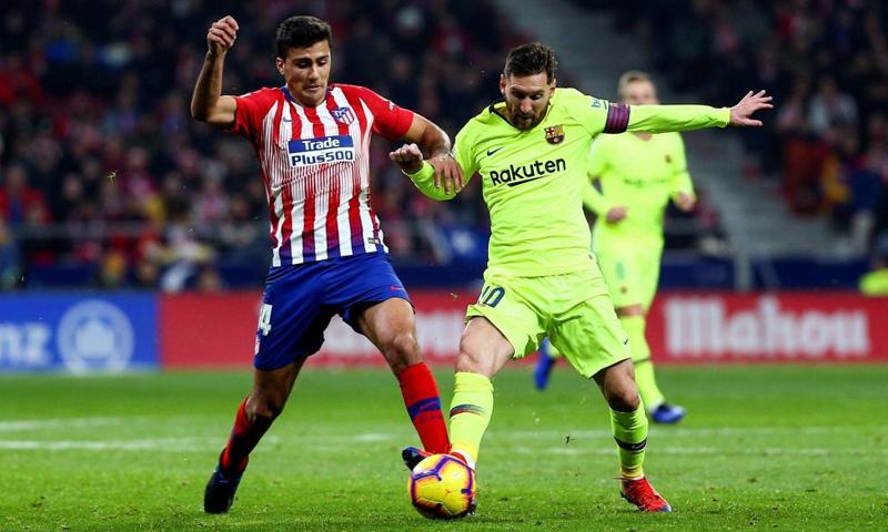 برشلونة يتعادل مع نادي أتلتيكو مدريد في العاصمة الإسبانية-24 من تشرين الثاني 2018 (EFE)