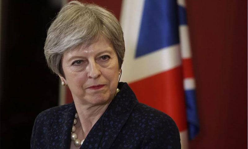 رئيسة الحكومة البريطانية تيريزا ماي (i newspaper)