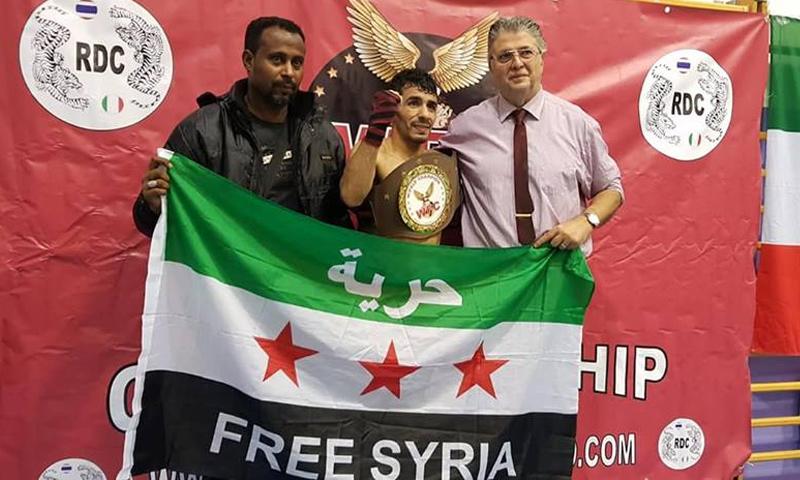 الملاكم السوري حيدر وردة في أثناء تتويجه ببطولة الملاكمة في إيطاليا- 4 تشرين الثاني 2018 (فيس بوك)