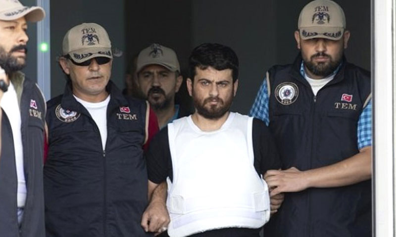 يوسف نازيك مع عناصر الشرطة التركية (son dakika)