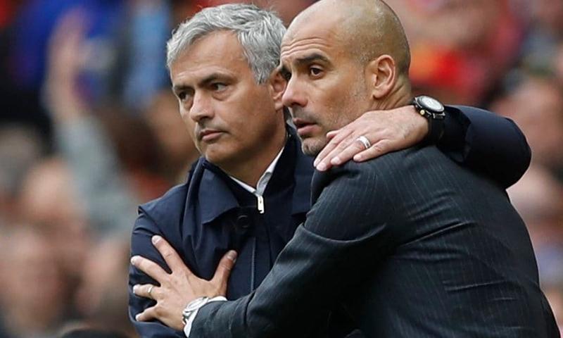 مدرب مانشستر سيتي بيب غوارديولا، ومدرب مانشستر يونايتد جوزيه مورينيو (رويترز)