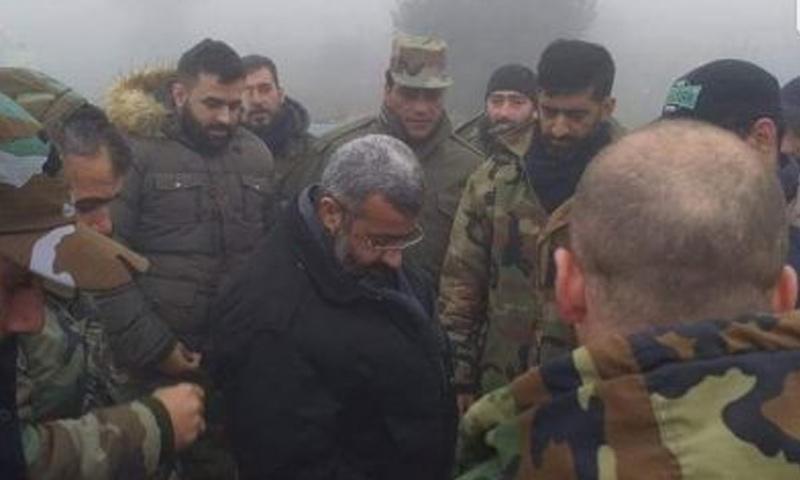 القيادي في الفرقة الرابعة غياث دلا في أثناء وصوله إلى ريف اللاذقية الشمالي - تشرين الثاني 2018 (شبكات موالية)