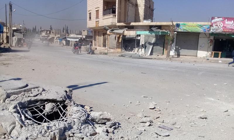 آثار القصف المدفعي على مدينة جرجناز بريف إدلب الشرقي - 2 من تشرين الأول 2018 (ناشطون عبر فيس بوك)