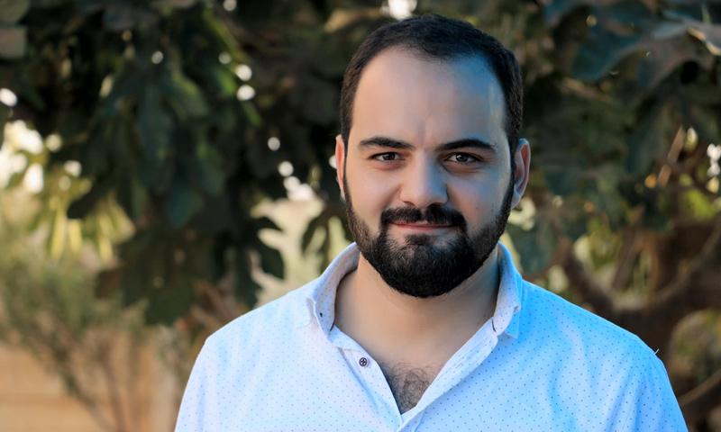 المسؤول في منظمة بنفسج، عبد الرزاق عوض (الصفحة الشخصية - فيس بوك)