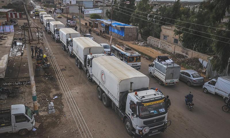 قافلة المساعدات الغذائية التي دخلت بلدة طفس بريف درعا-12 كانون الأول (الهلال الأحمر)