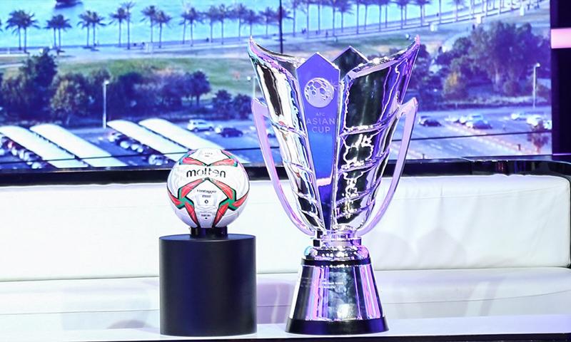 كأس أمم آسيا 2019 الجديدة والذي سترفع لأول مرة في الإمارات العربية (بي إن سبورتس)