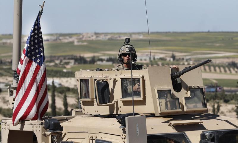 جندي أمريكي فوق عربة همر في سوريا - (وول ستريت جورنال)