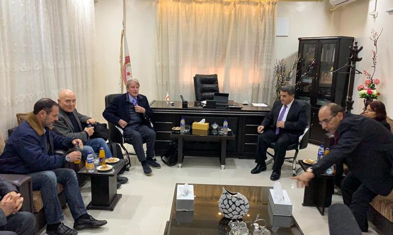 وفد من أربع دول من ضمنهم وزير الخارجية الفرنسي الأسبق، برنارد كوشنير، يزور القامشلي (وكالة هاوار)