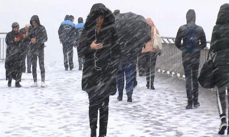 تساقط الثلوج في اسطنبول 18 من كانون الأول 2018 (يني شفق التركية)