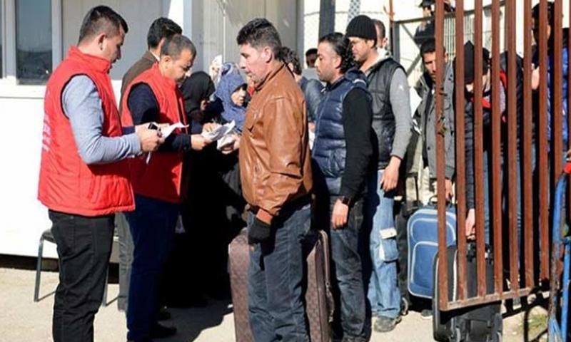 عودة السوريين من إحدى المعابر الواقعة على الحدود السورية -التركية 22 من كانون الأول 2018 (TRT HABER)