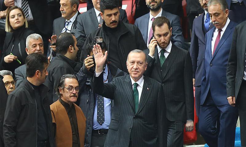 الرئيس التركي رجب طيب أردوغان خلال فعاليات إحياء ذكرى جلال الدين الرومي 17 من كانون الأول 2018 (صحيفة حريات)