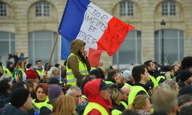 مظاهرات السترات الصفراء في باريس كانون الأول 2018 (فرانس24)