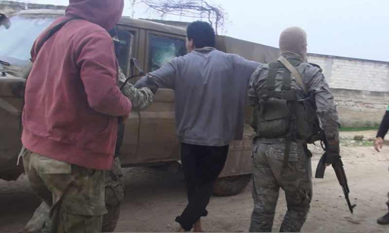 حملة أمنية لتحرير الشام ضد خلايا لتتظيم الدولة في بلدة مصيبين جنوبي إدلب 16 كانون الأول 2018 (وكالة إباء)