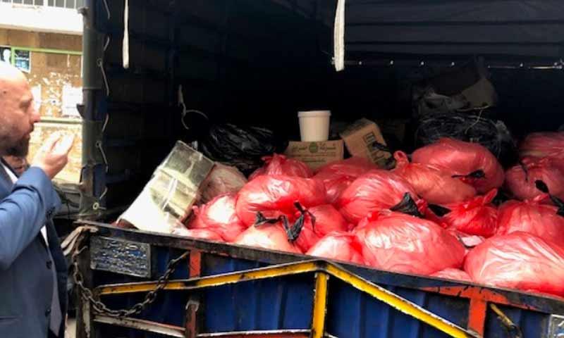 كميات من اللحوم الفاسدة تم مصادرتها من قوى الأمن اللبناني كانت قادمة من سوريا 19 كانون الأول 2018 (الوكالة الوطنية اللبنانية)