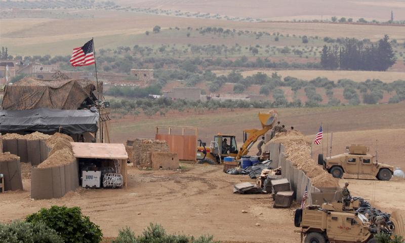 قاعدة أمريكية في منبج بريف حلب الشرقي - أيار 2018 (رويترز)