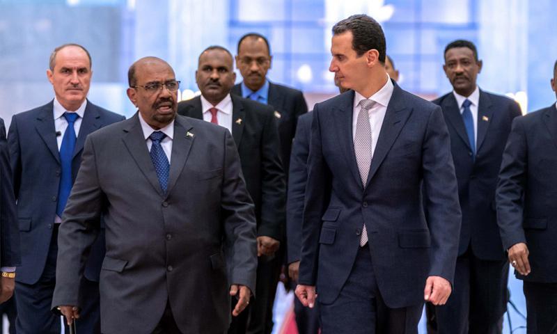 الرئيس السوداني عمر البشير في أثناء زيارته إلى دمشق للقاء بشار الأسد - كانون الأول 2018 (رئاسة الجمهورية)