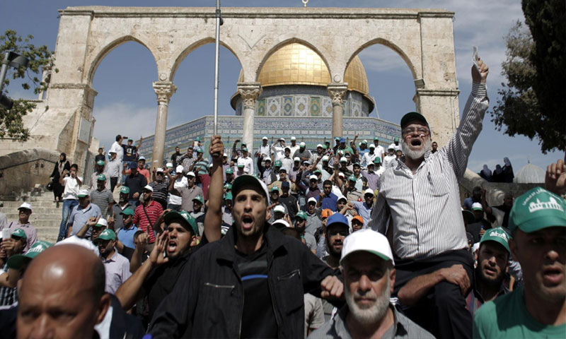 مواجهات بين الفلسطينيين وجيش الاحتلال خلال اقتحام المسجد الأقصى (CNN بالعربي)