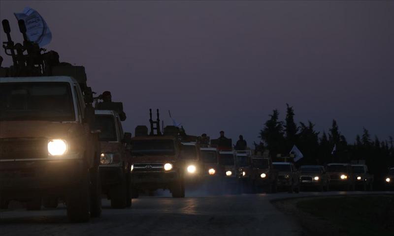 تعزيزات لفرقة الحمزة المنضوية في الجيش الوطني في طريقها إلى محيط منبج - 23 من كانون الأول 2018 (الأناضول)