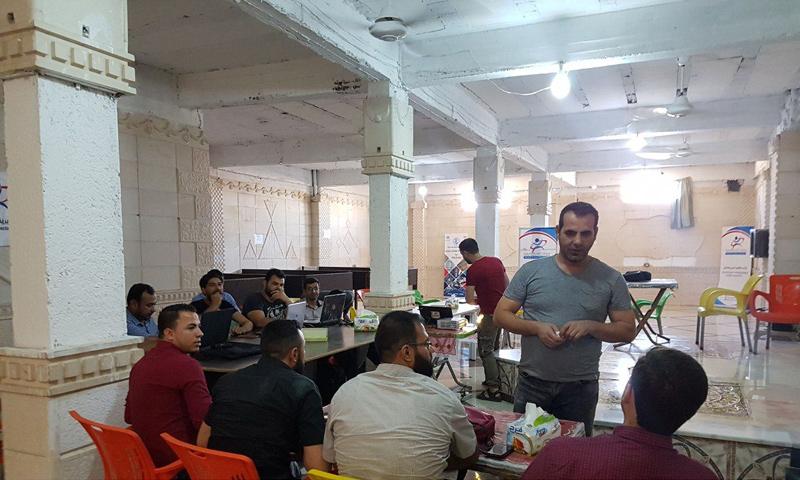 كوادر مديرية صحة حماة الحرة في اجتماع لهم بكفرنبل بريف إدلب - (مديرية الصحة)