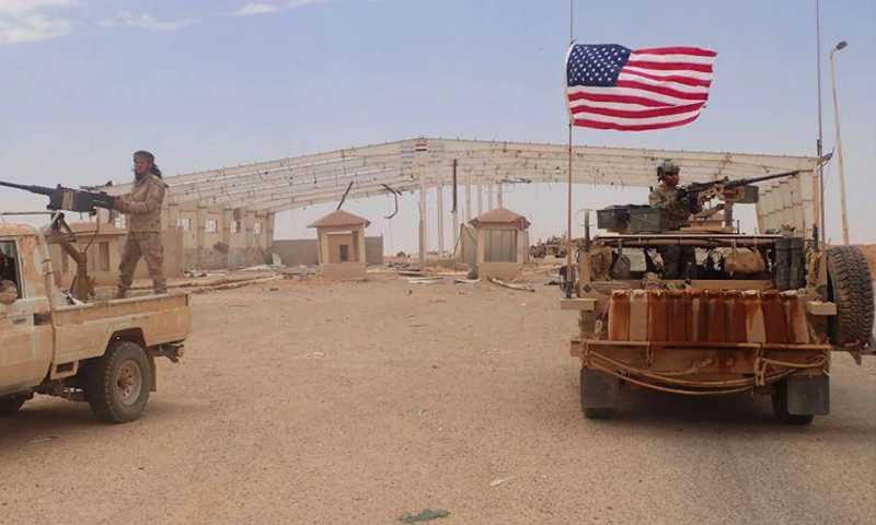 القوات الأمريكية في قاعدة التنف على الحدود السورية العراقية (AP)