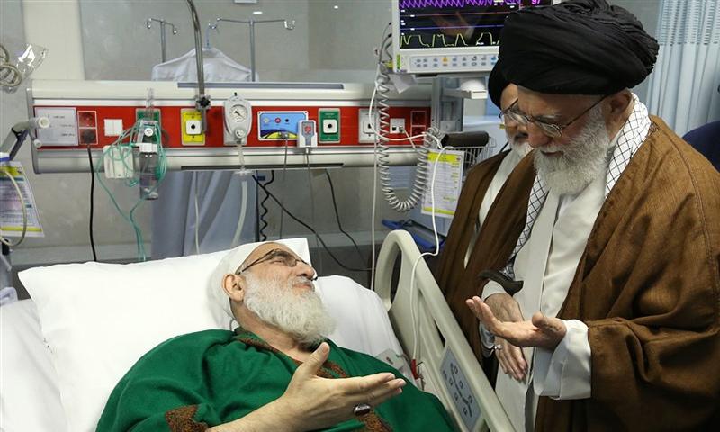 المرشد الأعلى علي خامنئي يزور هاشمي شاهرودي في المستشفى- 13 أيار 2018 (ديار أفتاب)