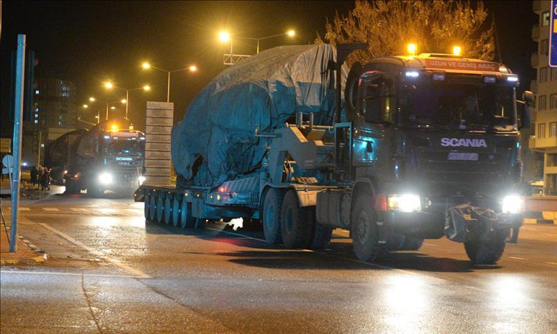 الجيش التركي يرسل تعزيزات إلى الحدود مع سوريا 28 من كانون الأول 2018 (الأناضول)