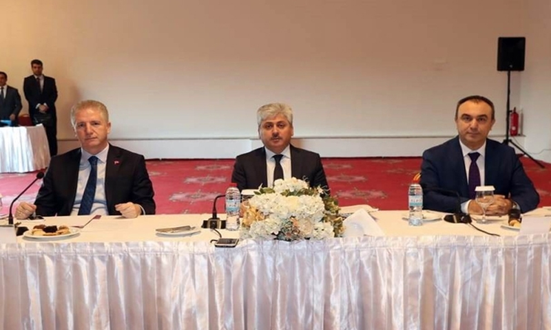 """اجتماع""""الأمن السوري"""" من قبل والي مدينة كلس وهاتاي وغازي عينتاب في مدينة هاتاي 3 من كانون الثاني 2019 (haberler)"""