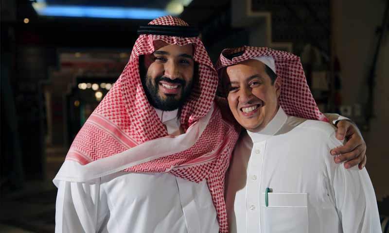 ولي العهد السعودي، محمد بن سلمان، ومدير قناة العربية تركي الدخيل (العربية)