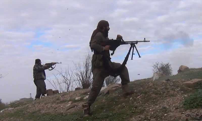 """مقاتلوا تنظيم الدولة خلال استهدافهم لمواقع """"قسد"""" في منطقة هجين شرقي دير الزور كانون الأول 2018 (أعماق)"""