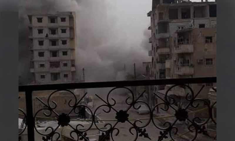 انفجار لغم أرضي في حي الفردوس في مدينة الرقة في تشرين الثاني 2018 (الرقة تذبح بصمت)