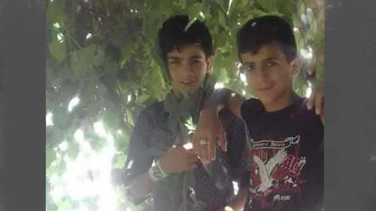 الطفلين محمد طالب الزامل، ومحمد حسام الكايد، قتلا نتيجة انفجار لغم أرضي في انخل بريف درعا 2 كانون الثاني 2019 (تجمع أحرار حوران)