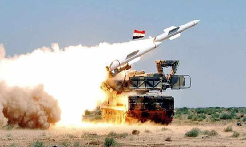 وسائط الدفاع الجوي السوري أثناء اطلاق صواريخ - صورة تعبيرية (وكالة سانا)
