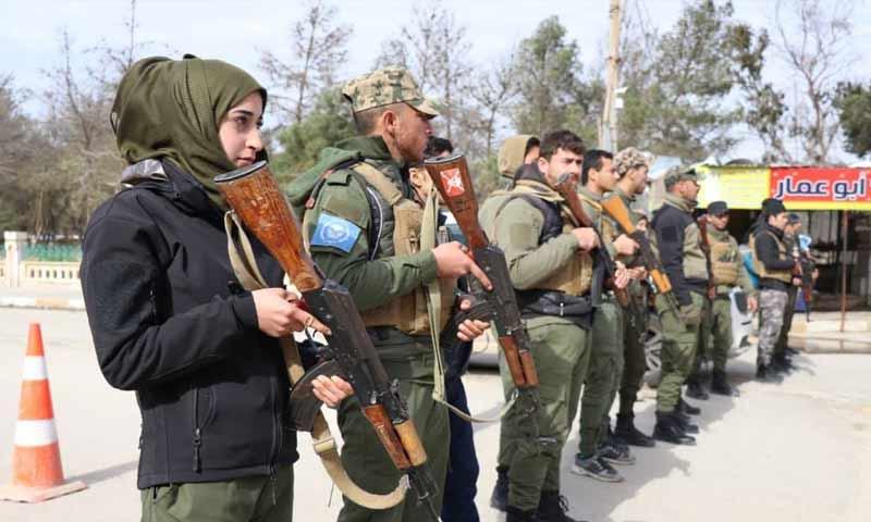 """قوى الأمن الداخلي """"أسايش"""" خلال مسيرة في منطقة الطبقة 16 كانون الثاني 2019 (الموقع الرسمي لأسايش)"""