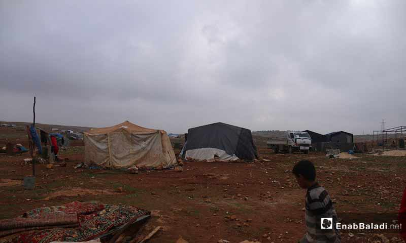 مخيمات للنازحين في جنوبي إدلب كانون أول 2018 (عنب بلدي)